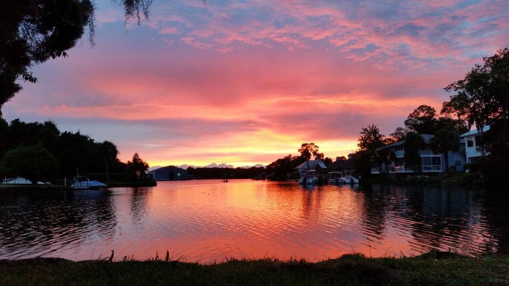 Hunter Springs Park: 18 NE 2nd St, Crystal River, FL