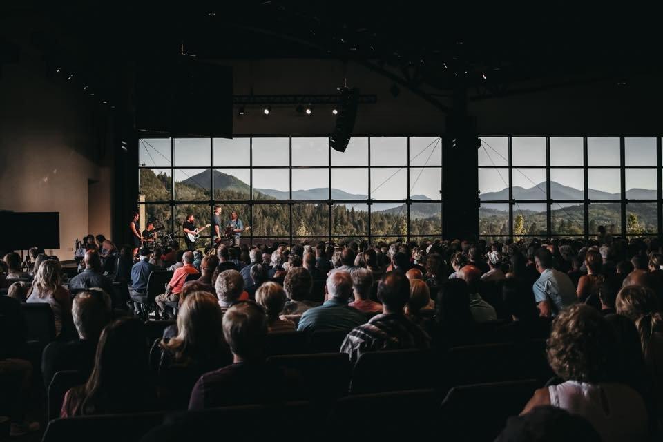 Edgewater Christian Fellowship: 101 Assembly Cir, Grants Pass, OR