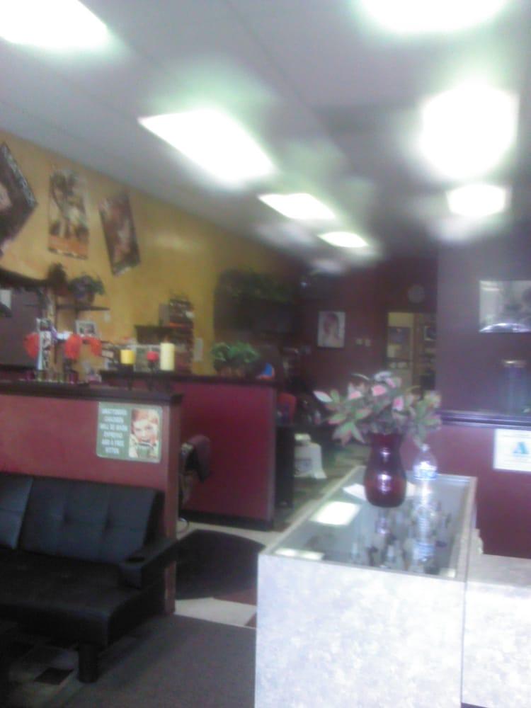 Cutt 'N' Loose: 16472 Franklin Blvd, Nampa, ID