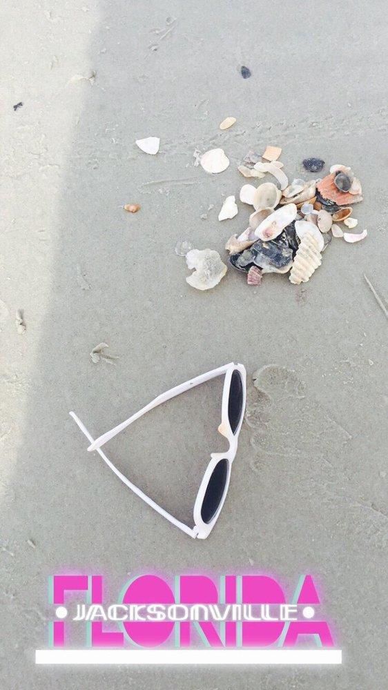 Atlantic Beach: 800 Beach Ave, Atlantic Beach, FL