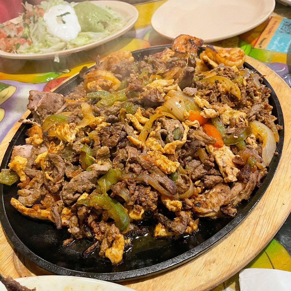 La Hacienda Mexican Restaurant: 6825 Graham Rd, Indianapolis, IN