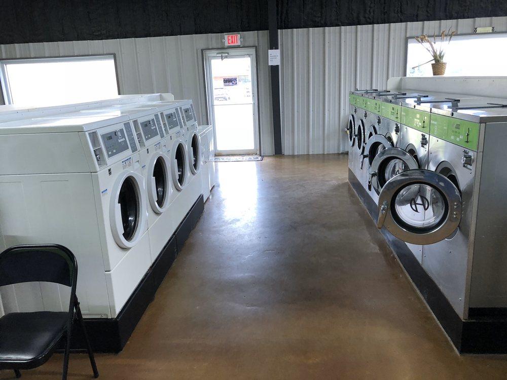 Jacket Laundry: 1303 S Main St, Kingfisher, OK