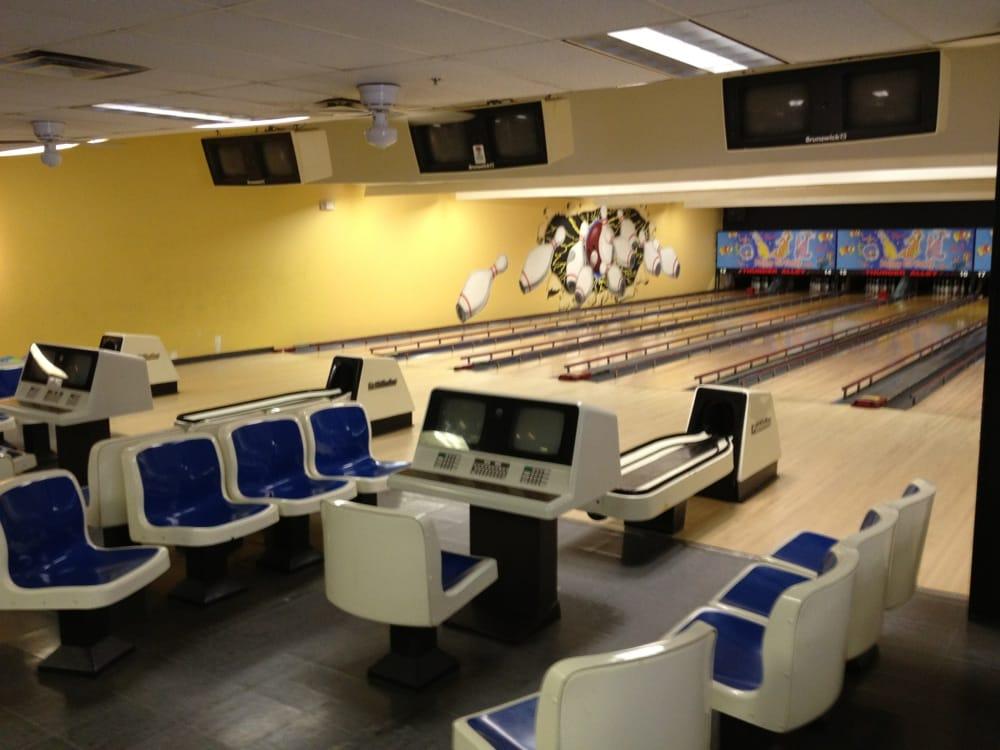Thunder Alley Bowling: 425 S McCleskey St, Boaz, AL