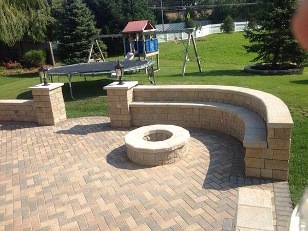 Unilock Hollandstone Patio W Unilock Pisa2 Seat Walls