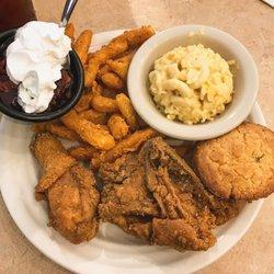 Photo Of Rowdy S Family Restaurant Vicksburg Ms United States Fried En Lunch