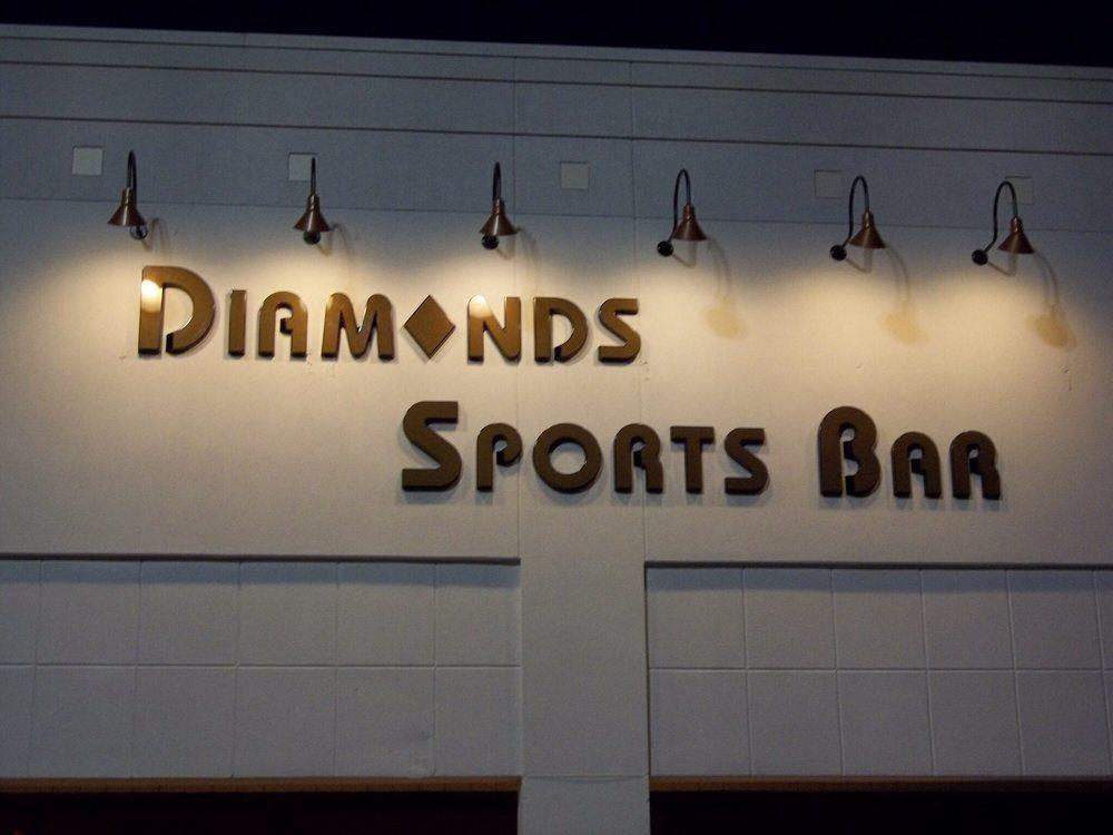 Diamonds Sports Bar: 11208 S Memorial Pkwy, Huntsville, AL