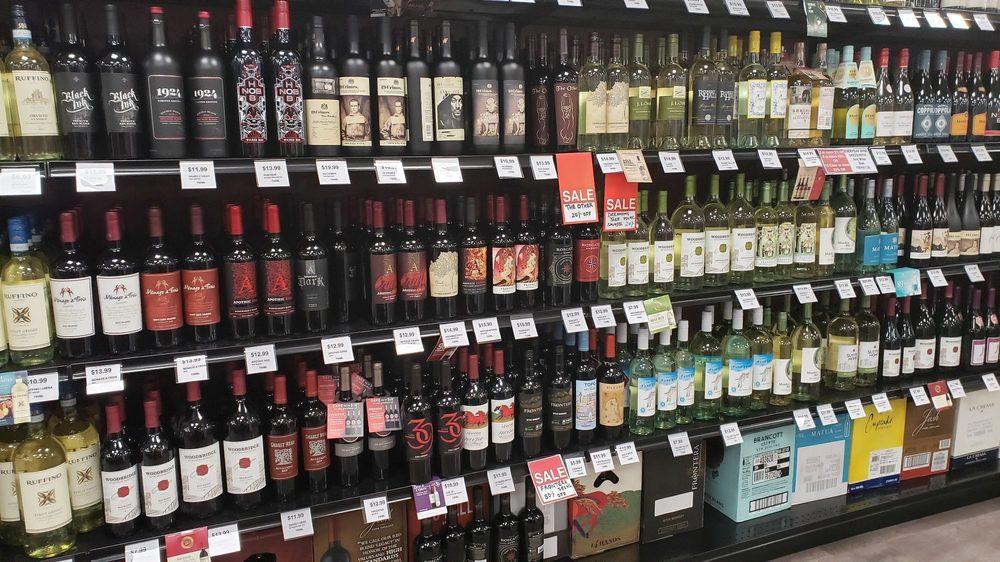 Sip Sip Hooray Wines & Liquors: 1 Destiny Usa Dr, Syracuse, NY