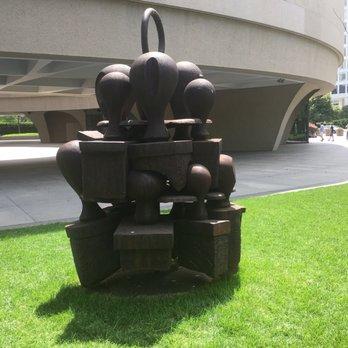 Hirshhorn Museum Sculpture Garden 1340 Photos 356 Reviews Art Galleries 7th St