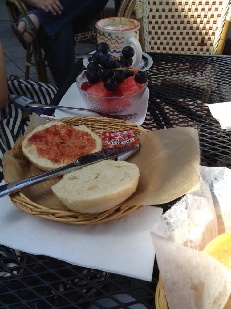 Le Croissant Cafe Burlingame Ca