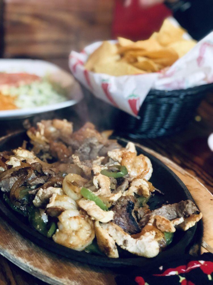 El Cazador Mexican Grill: 7799 Richmond Hwy, Appomattox, VA