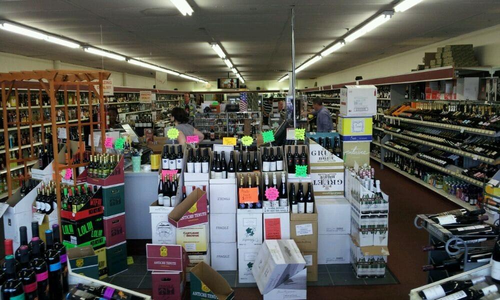 Upstate Wine & Spirits Co: 180 Delaware Ave, Delmar, NY