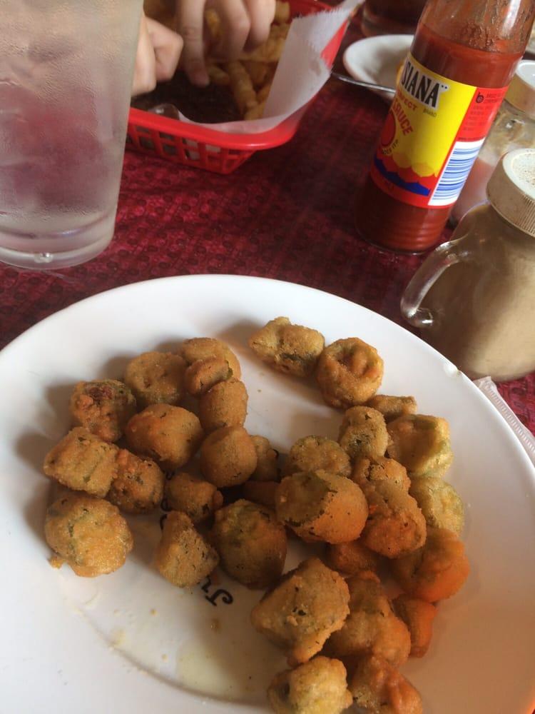 Southern Sisters Cafe: 815 Hwy 61 N, Vicksburg, MS