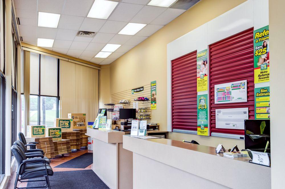 Metro Self Storage: 5300 Shoreline Dr, Mound, MN