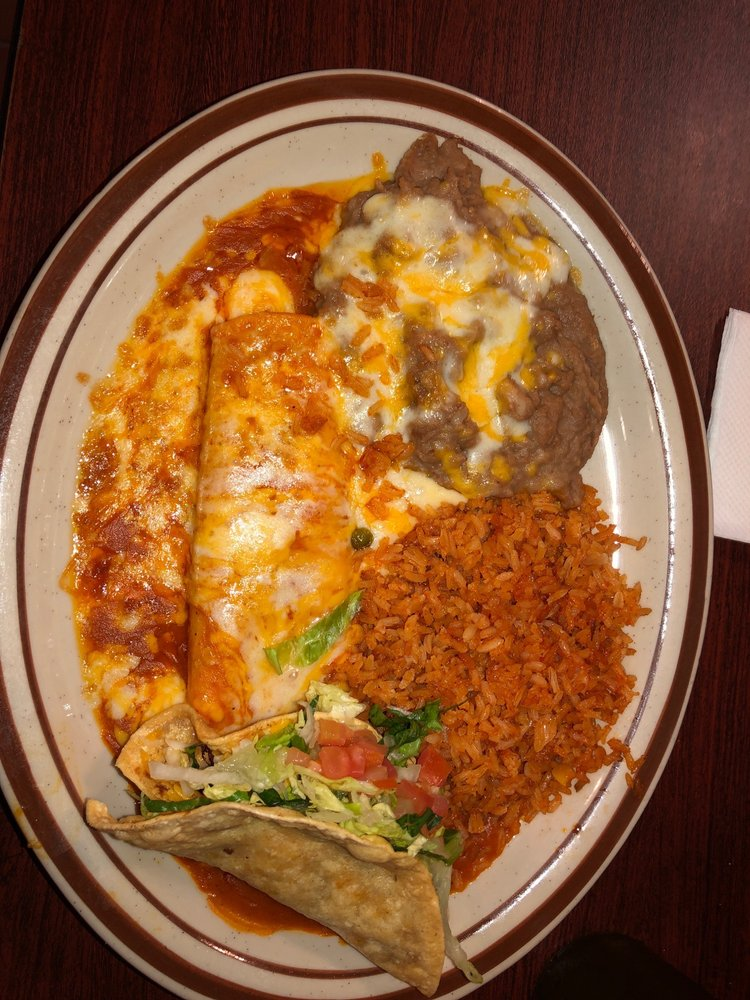 Mi Casita Restaurante: 330 W Santa Fe Ave, Placentia, CA
