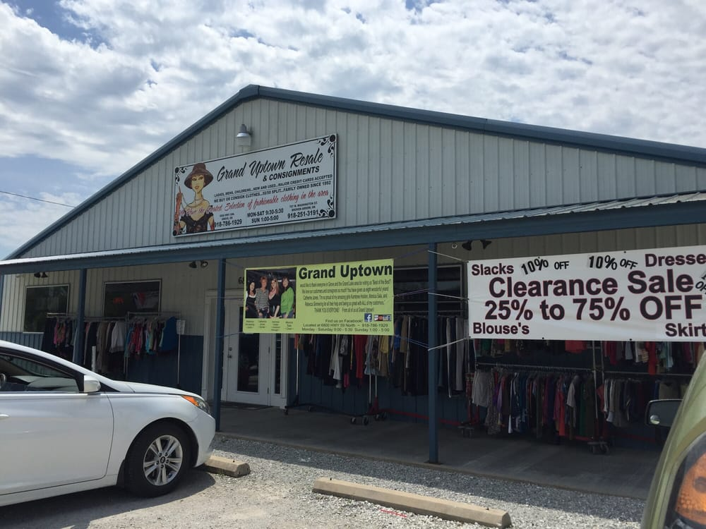Grand Uptown Consignment: 6800 US Hwy 59, Grove, OK