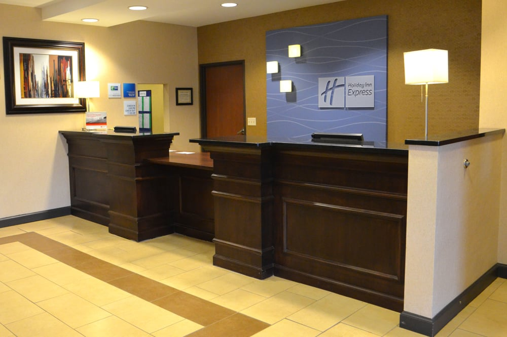 Holiday Inn Express & Suites Sidney: 251 West Holly St, Sidney, MT