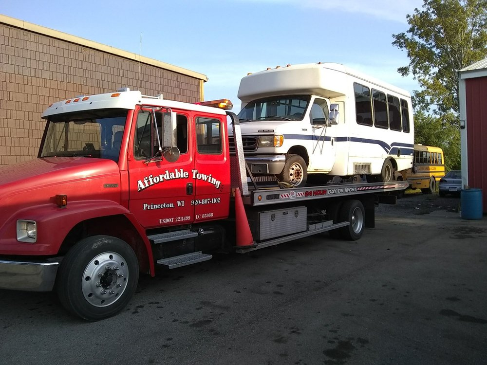 Affordable Towing: N6999 Wisconsin 73, Princeton, WI