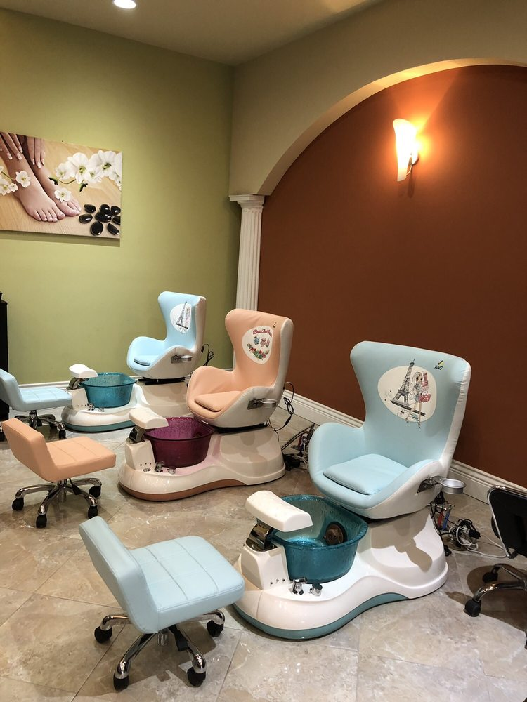 Today in Style Nails Spa: 1818 W Henderson Rd, Columbus, OH