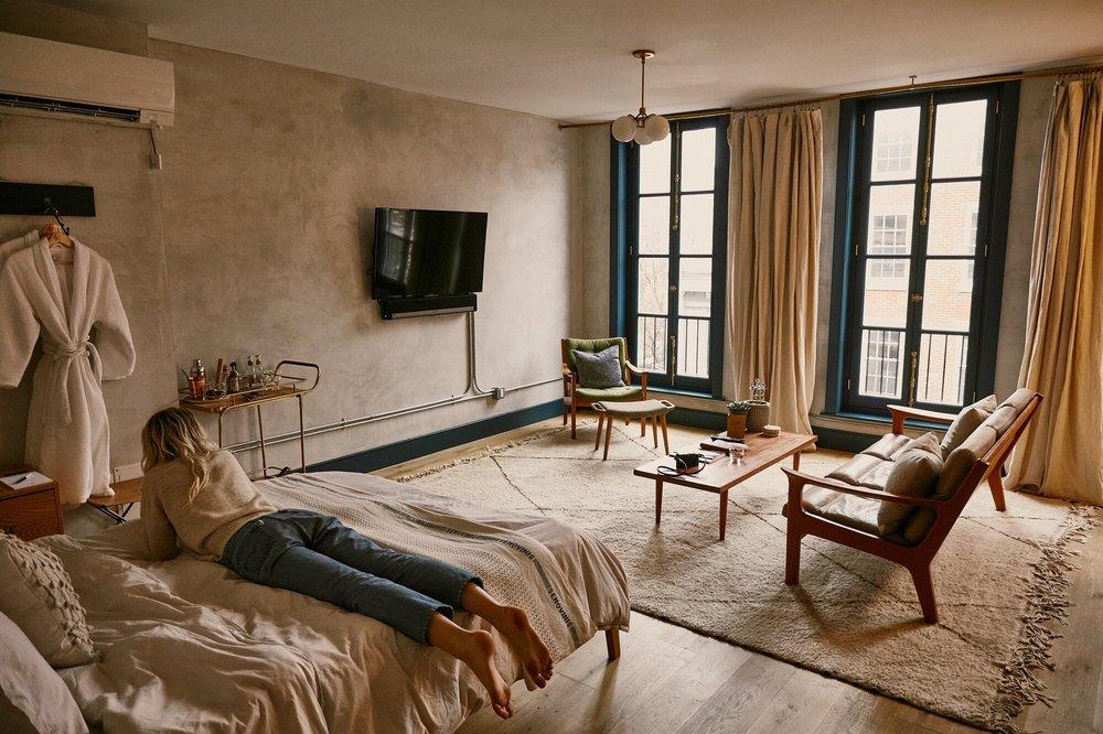 Lokal Hotel: 139 N 3rd St, Philadelphia, PA