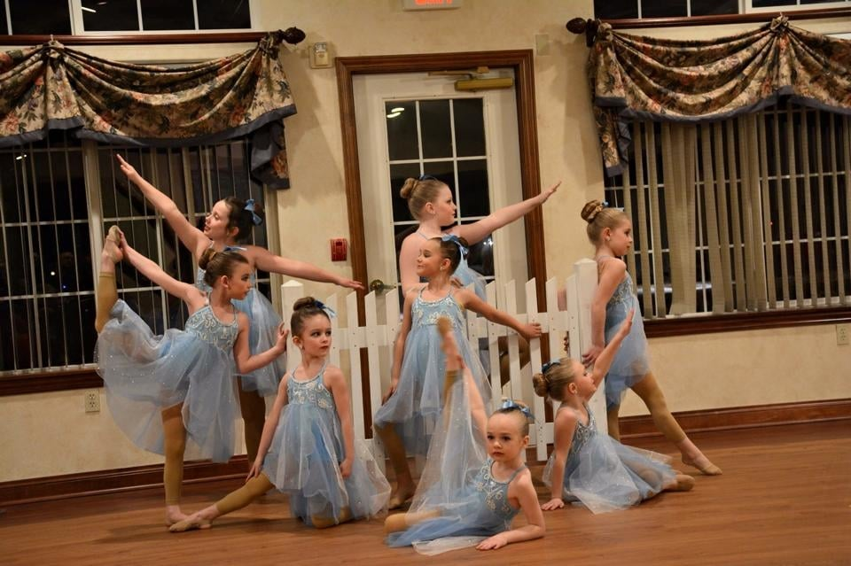Footworks Dance Company: 728 Schelfhout Ln, Kimberly, WI