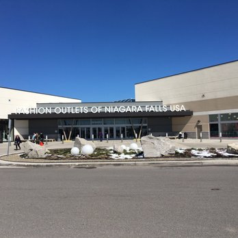 Fashion outlet niagara usa 60