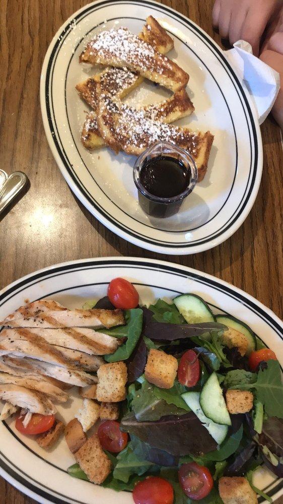 Mimi's Cafe: 16933 Sierra Lakes Pkwy, Fontana, CA