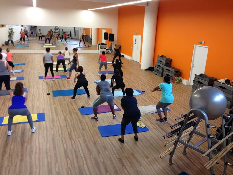 cours collectifs yako abdo fessiers pump ba la training cardio d tente l 39 orange. Black Bedroom Furniture Sets. Home Design Ideas