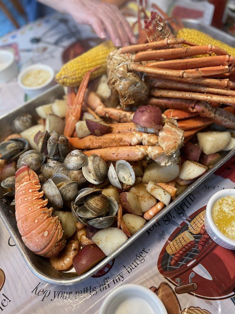 Surf's Up Seafood Market: 413838 Nc-12, Avon, NC