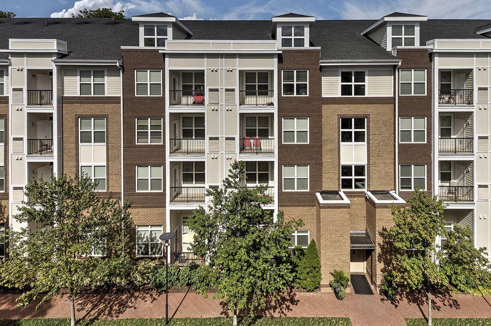 Camden Dulles Station Apartments: 2320 Dulles Station Blvd, Herndon, VA