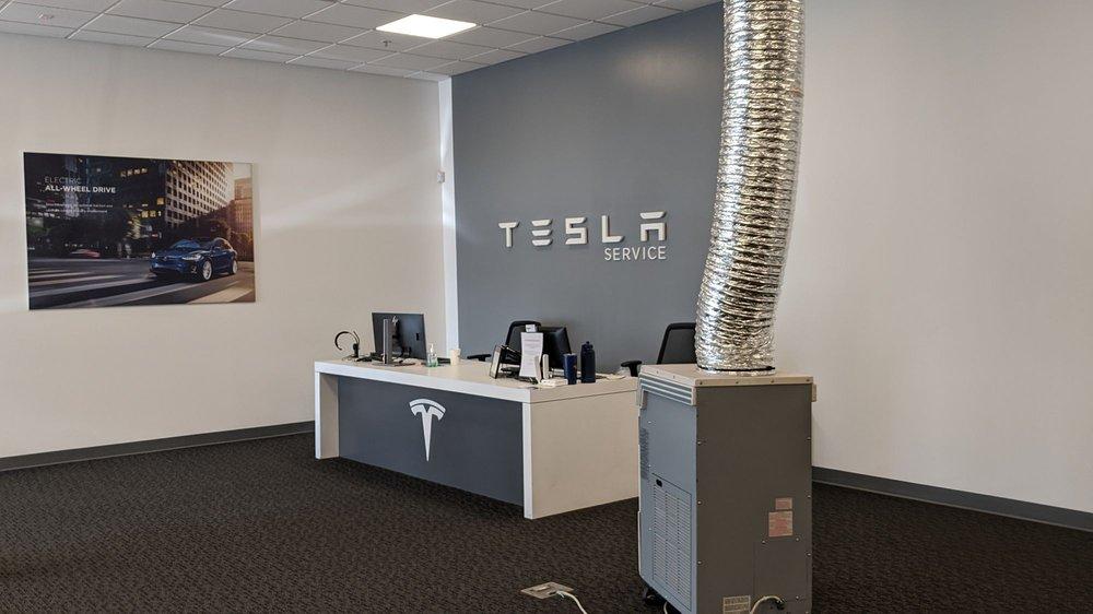 Tesla: 901 Gilman St, Berkeley, CA
