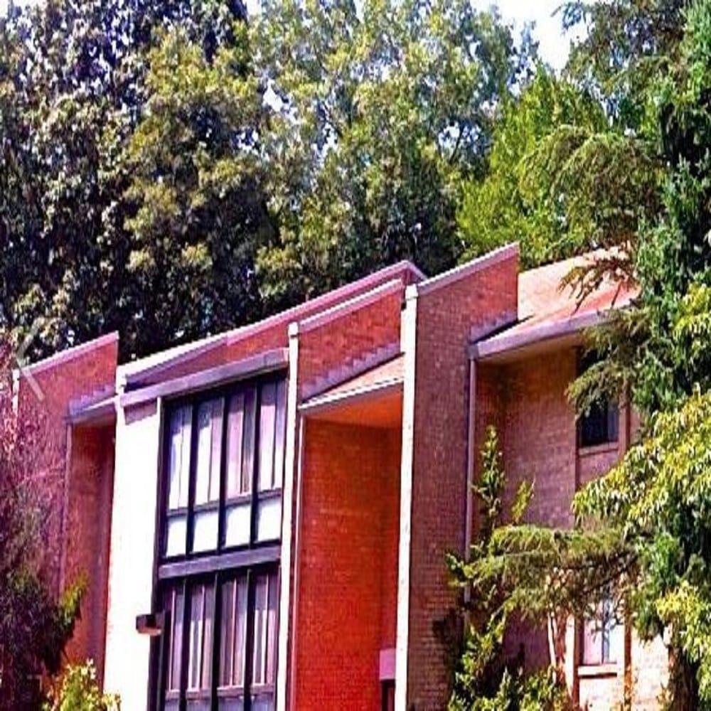Hickory Hill Apartments: Hickory Hill Condominium