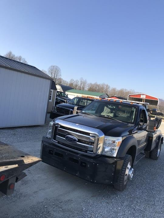 Towing business in Shawswick, IN