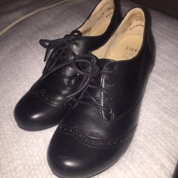 068b0d9de8 Shoe Mill - 60 Photos   32 Reviews - Shoe Stores - 916 Lloyd Ctr ...