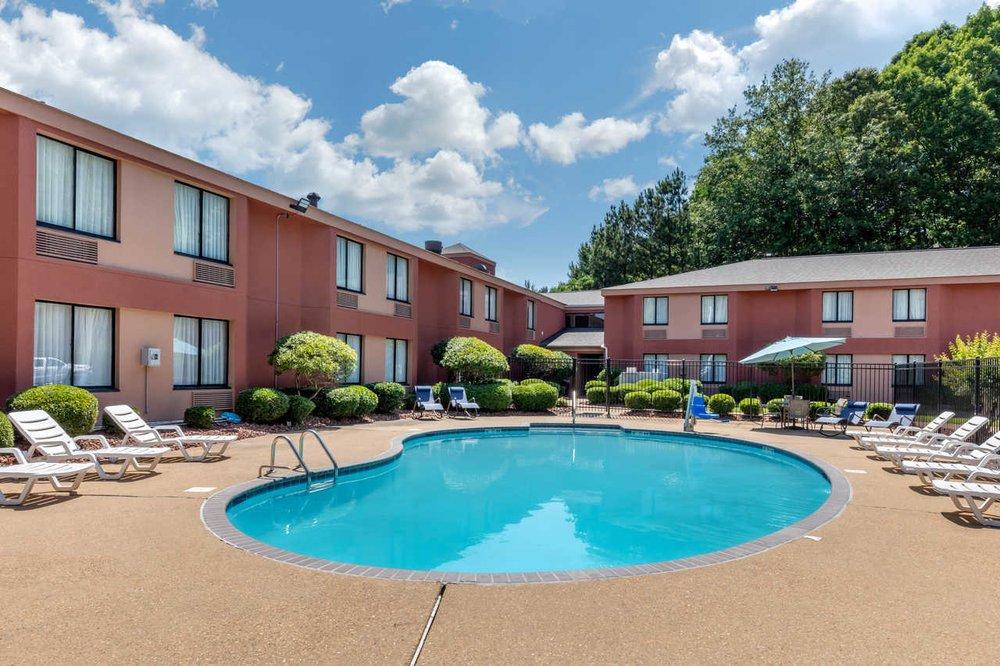 Rodeway Inn Tuscaloosa Near University: 4300 Skyland Blvd E, Tuscaloosa, AL