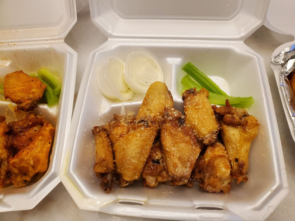 City Grill & Wings - Harrisburg: 4043 Harris Square Dr, Harrisburg, NC