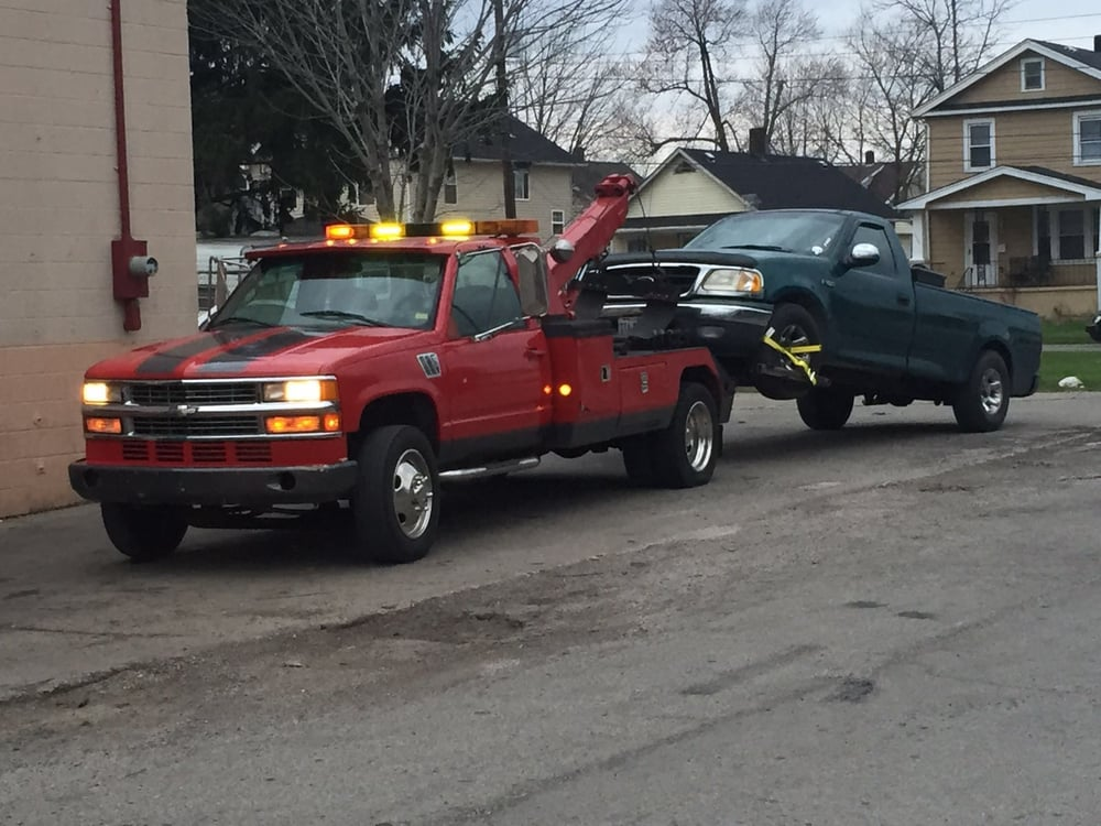 Rivera Towing & Recovery: 2930 Clifton Ave, Lorain, OH