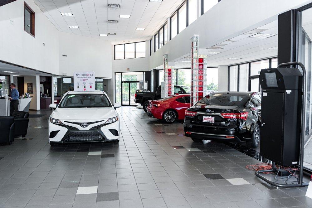 Northcutt Toyota: 3409 W Owen K Garriott Rd, Enid, OK