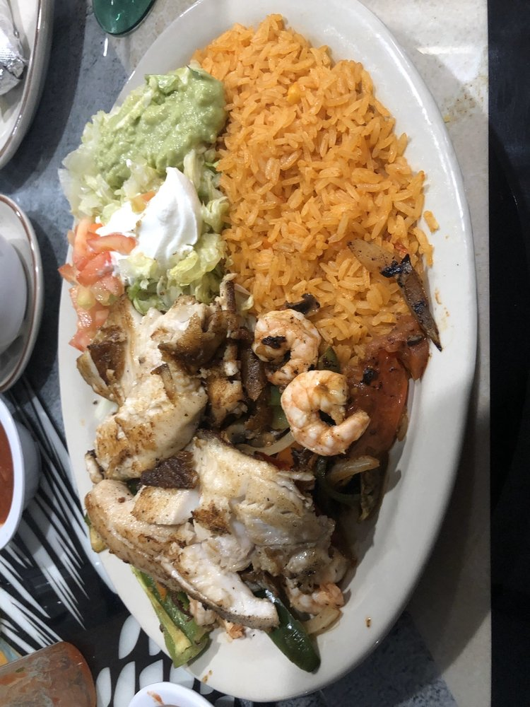 Food from El Maguey Mexican Grill & Bar