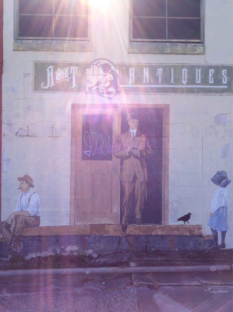 A Antiques  Consignments -   Reviews - Antiques