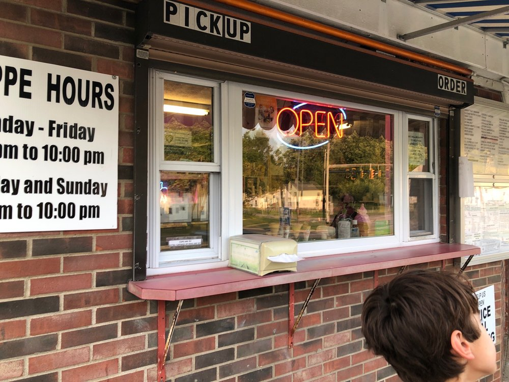 Scoops & More Ice Cream Emporium: 528 W River Rd N, Elyria, OH