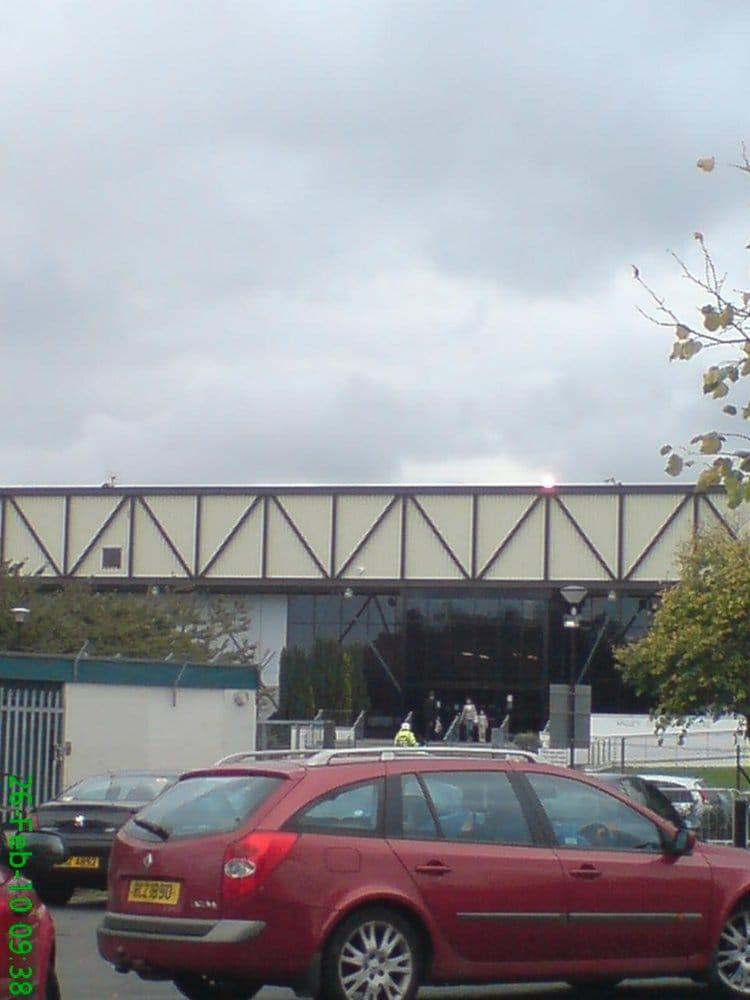 Antrim & Newtownabbey Borough Council - Valley Leisure Centre | Church Road, Newtownabbey BT36 7LJ | +44 28 9086 1211
