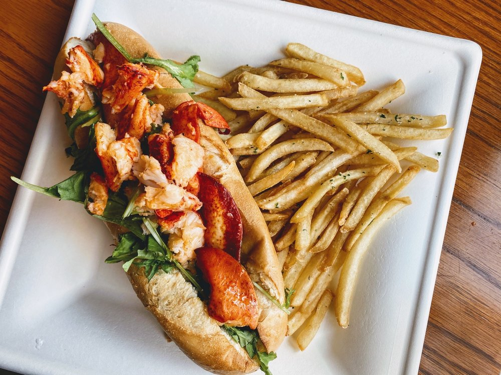 Dockside Bar and Grill: 69 Mont Chateau Rd, Morgantown, WV