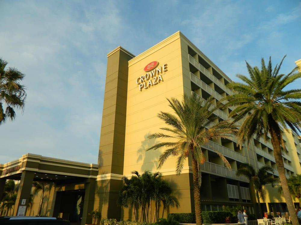 Hotels Near Crown Melbourne