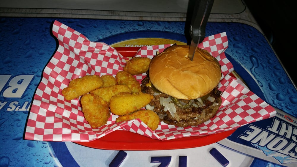 Player's Sports Bar & Grill: Springfield, SD