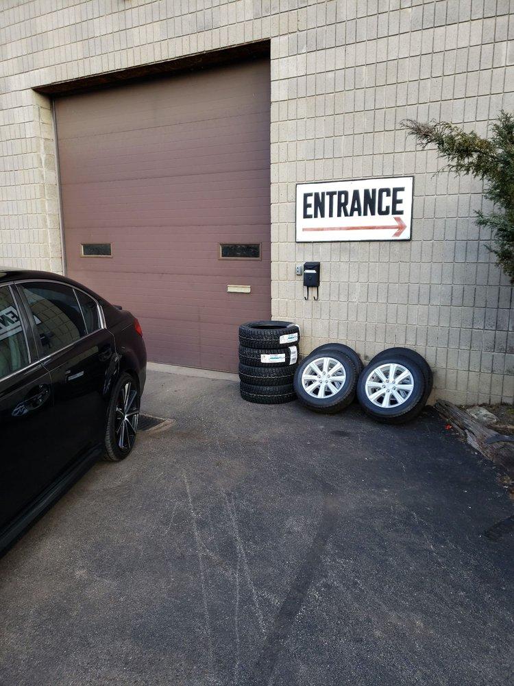 Rochez E & D Auto Repair: 560 Hoover Rd, Pittsburgh, PA