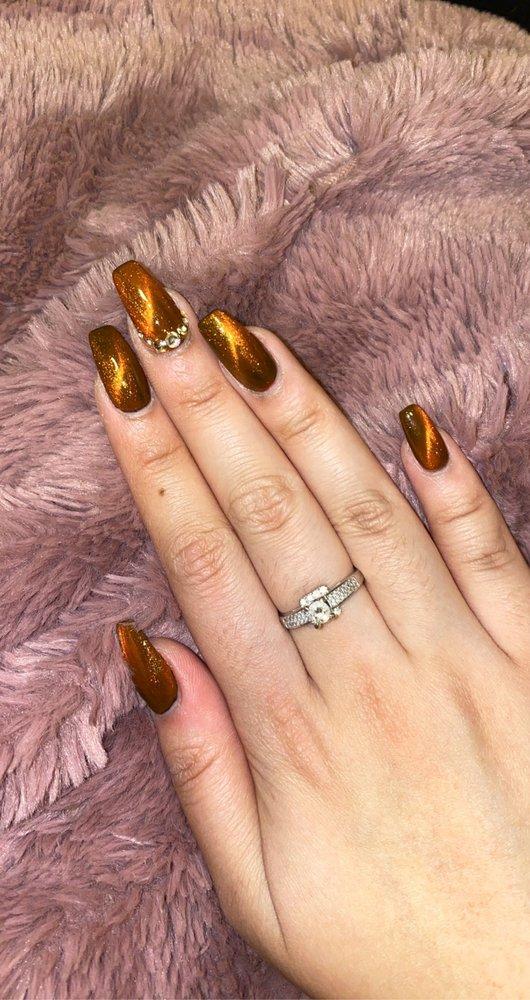 VIP Nails: 3775 Gateway Dr, Eau Claire, WI