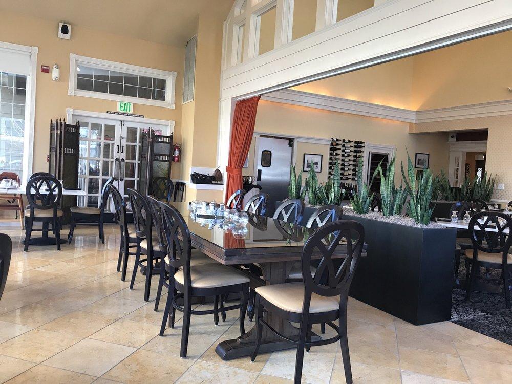 Majestic Inn & Spa: 419 Commercial Ave, Anacortes, WA