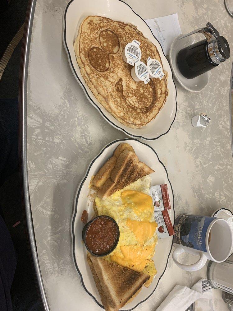 City Cafe: 423 S 9th Ave, Broken Bow, NE