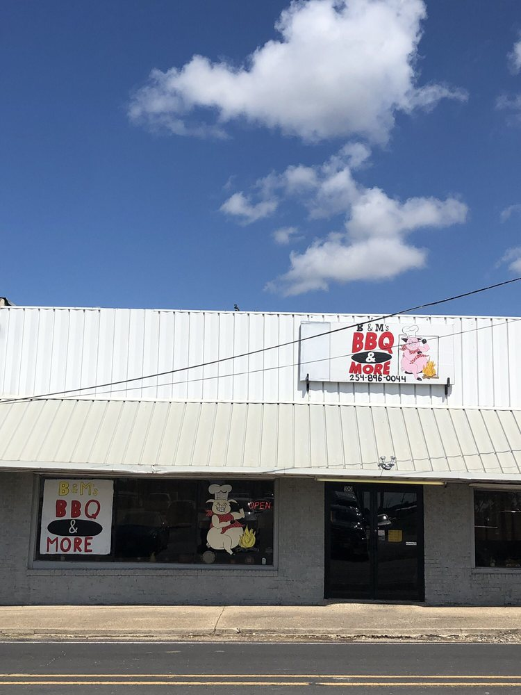 B & M's BBQ & More: 100 W Frederick St, Riesel, TX