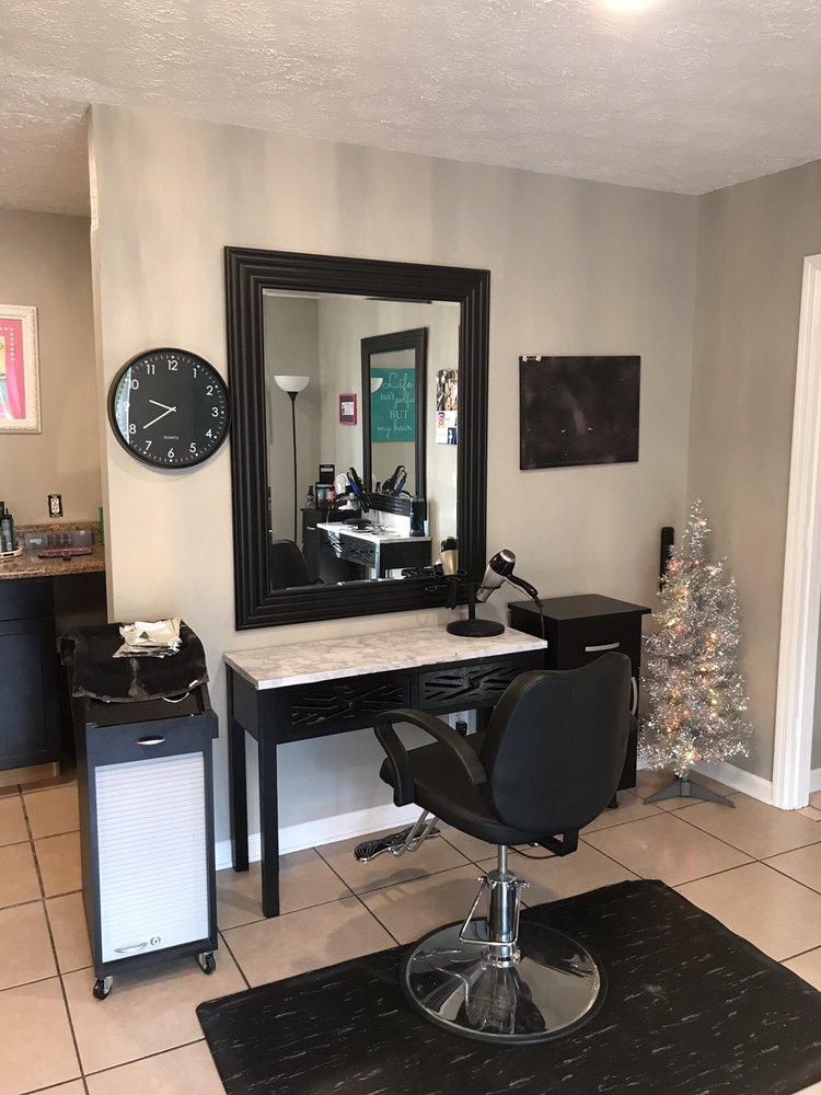 Dazzles Hair Studio: 158 Ochlockonee St, Crawfordville, FL